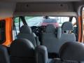 furgoneta_naranja_4